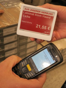 Image: Red ESL and an electronic device; copyright: POCO