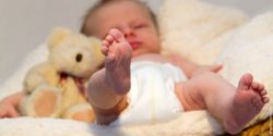 Picture: baby with teddy bear ; copyright: Alexandra H.  / pixelio.de
