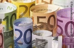 Several Euro notes with different values rolled up; copyright: PantherMedia/moodboard