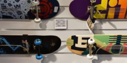Photo: Skateboards with ESL; copyright: delfi
