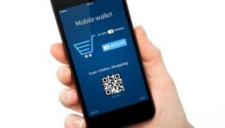 Photo: Mobile wallet app on smartphone display; copyright: panthermedia / prykhodov